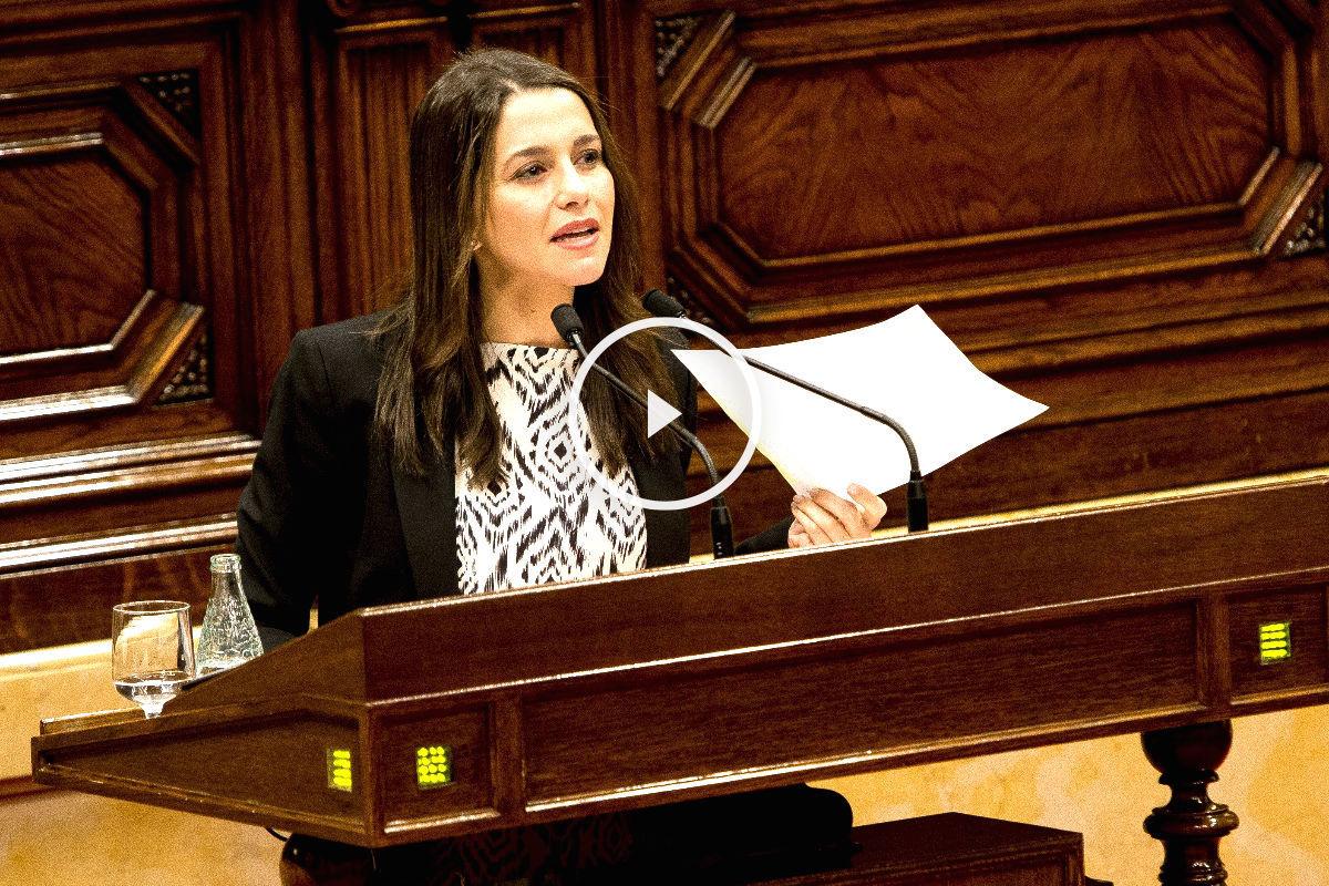 Inés Arrimadas en el Parlament de Cataluña. (FOTO:Getty)