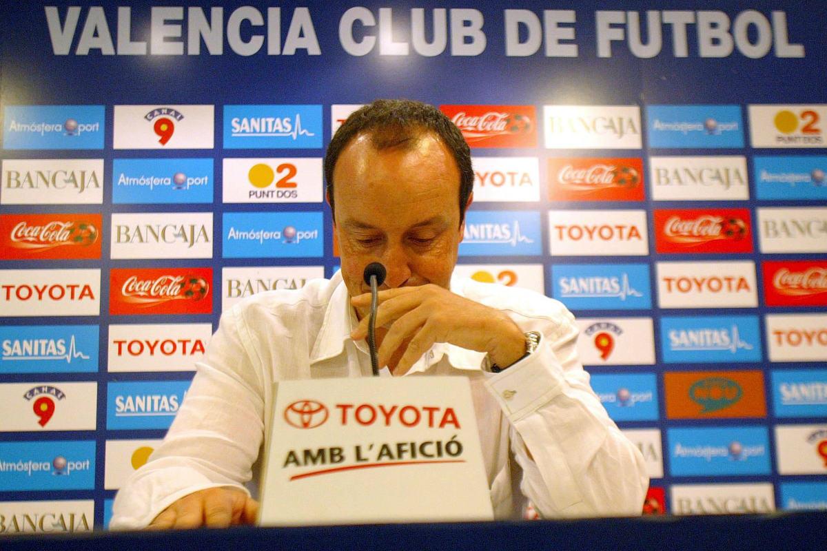 Rafa Benítez durante su etapa en Valencia (AFP)