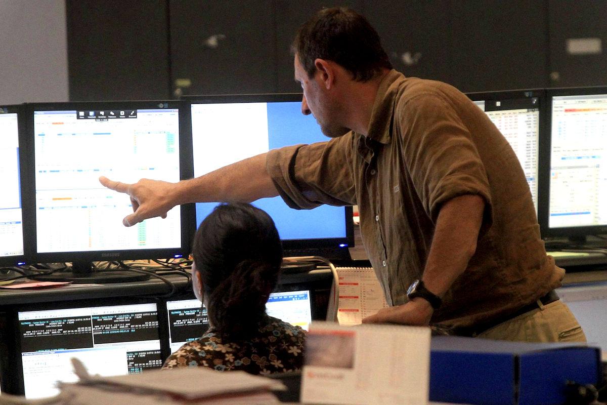 Operadores de Bolsa. (Foto: EFE)