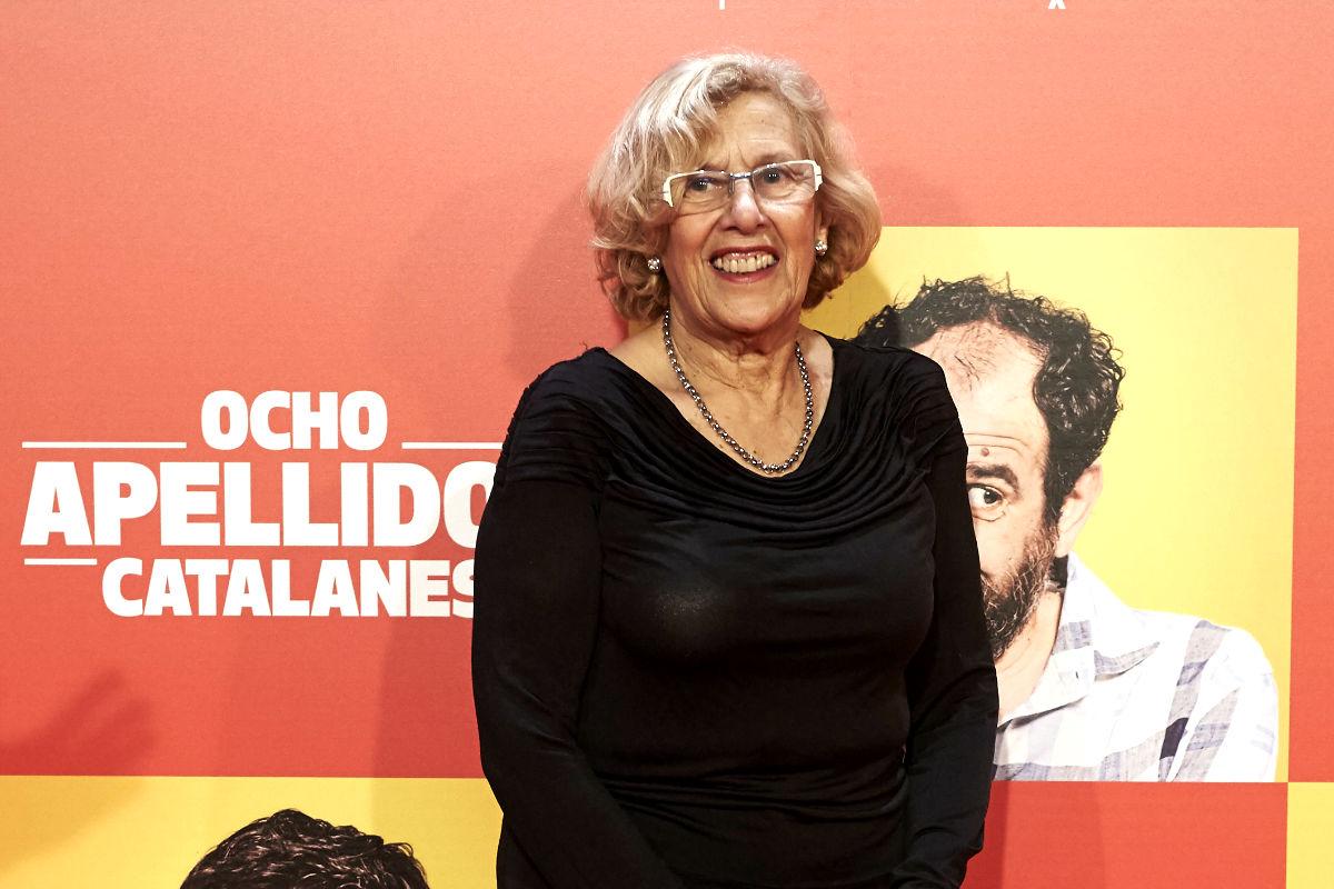 La alcaldesa Manuela Carmena, en el estreno de Ocho apellidos catalanes (Foto: Getty)