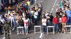 Largas colas para ejercer el voto en Venezuela (Foto: Getty)