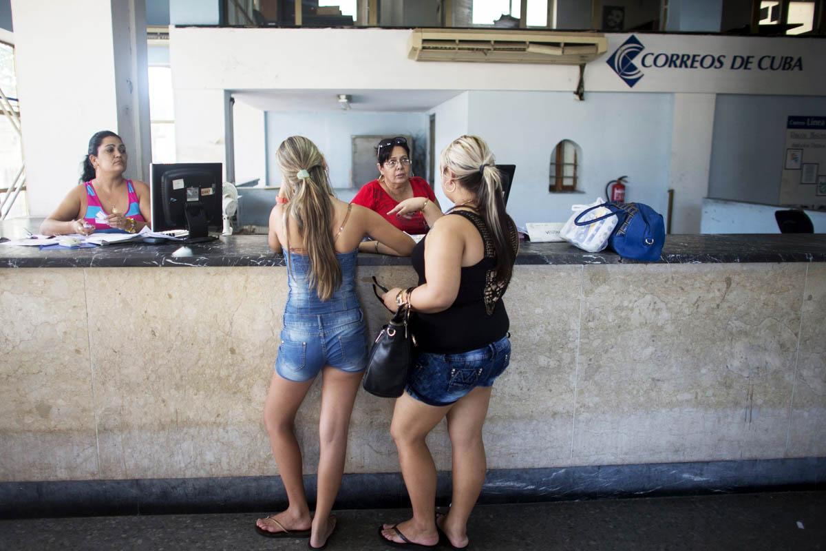 Oficina de Correos en La Habana (Foto: Reuters)