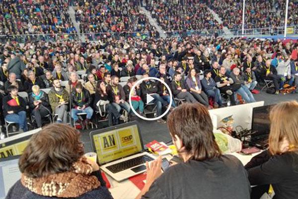 Vista panorámica de la asamblea que celebra hoy la CUP. (Foto: CUP)