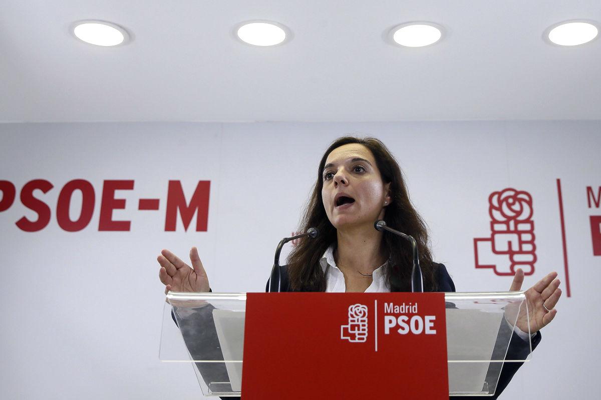 Sara Hernández, líder del PSOE en Madrid, en una rueda de prensa.