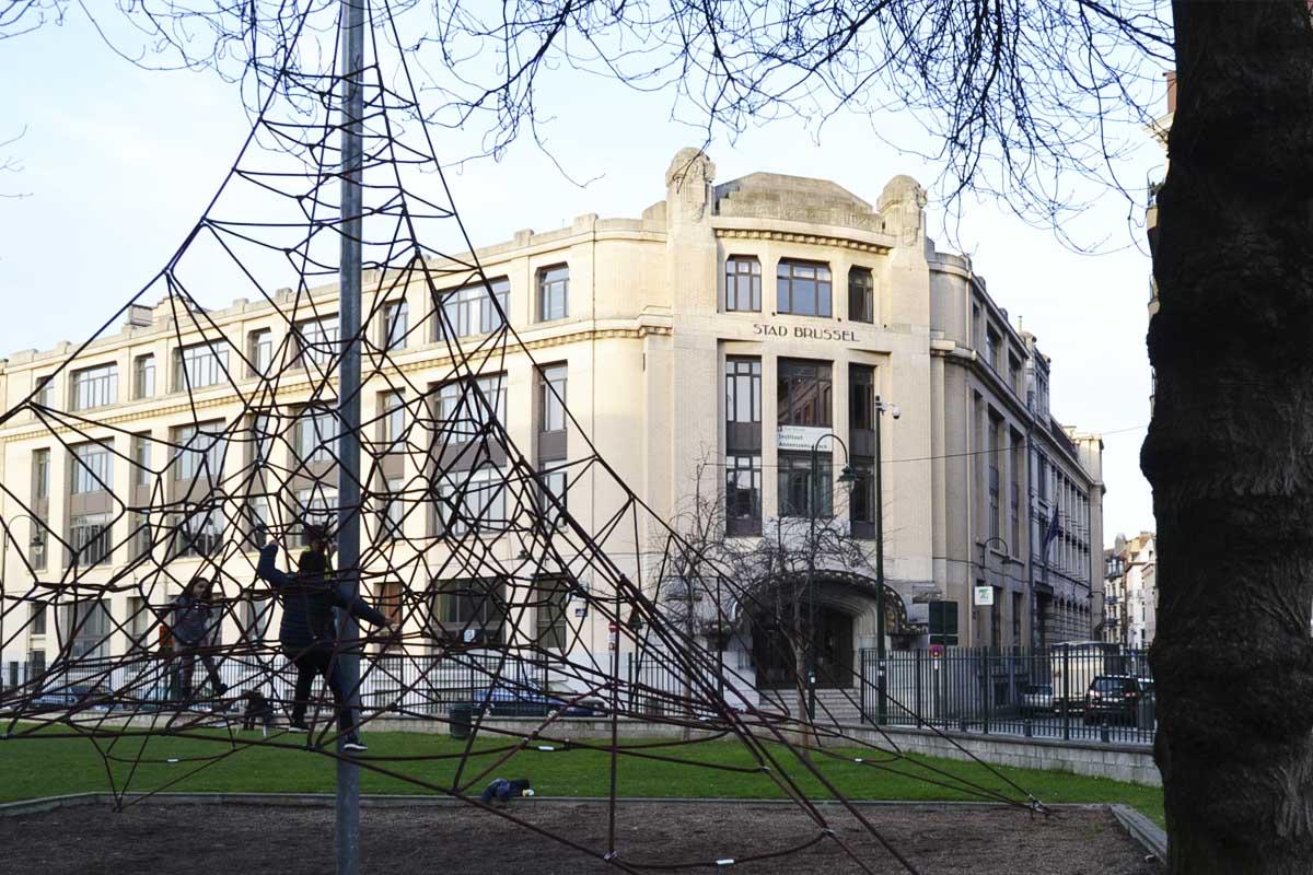 El instituto Annessens-Funck en Bruselas donde estudiaba uno de los yihadistas  (Foto: Fernán González)