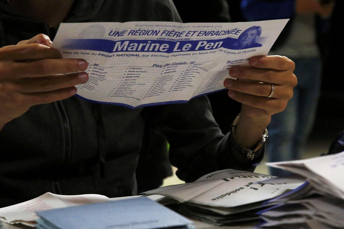Papeletas favorables al Frente Nacional de Marine Le Pen (Foto: Reuters)