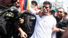 Leopoldo López, en el momento de ser apresado por la Guardia Nacional tras dar un discurso el 18 de febrero de 2014. (Foto: Getty)
