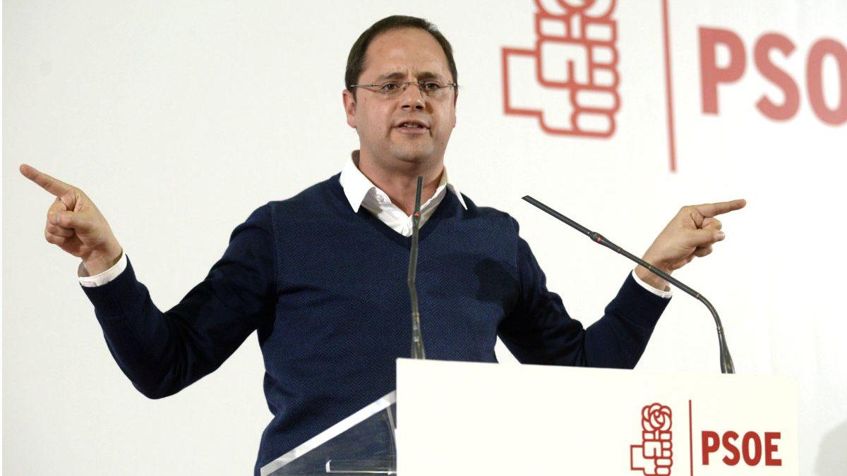César Luena, secretario de Organización del PSOE. (Foto: EFE)