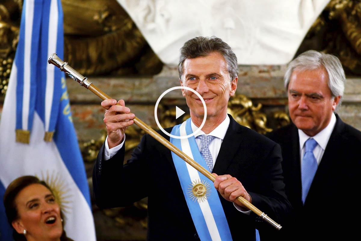 Mauricio Macri ya recibió el bastón de mando en Argentina (Foto: AFP)