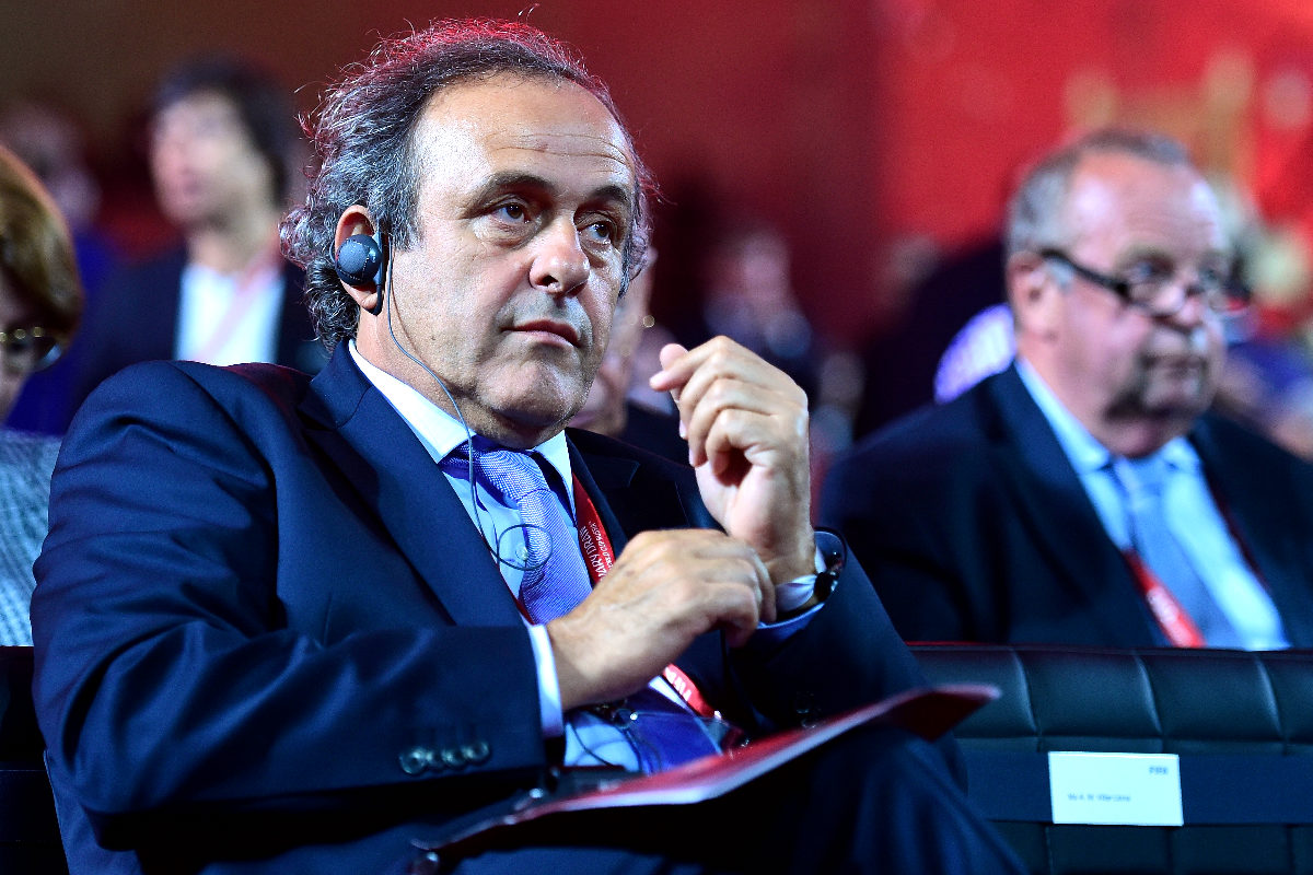 Michel Platini consigue un soplo de aire fresco en su candidatura a presidente de la FIFA.