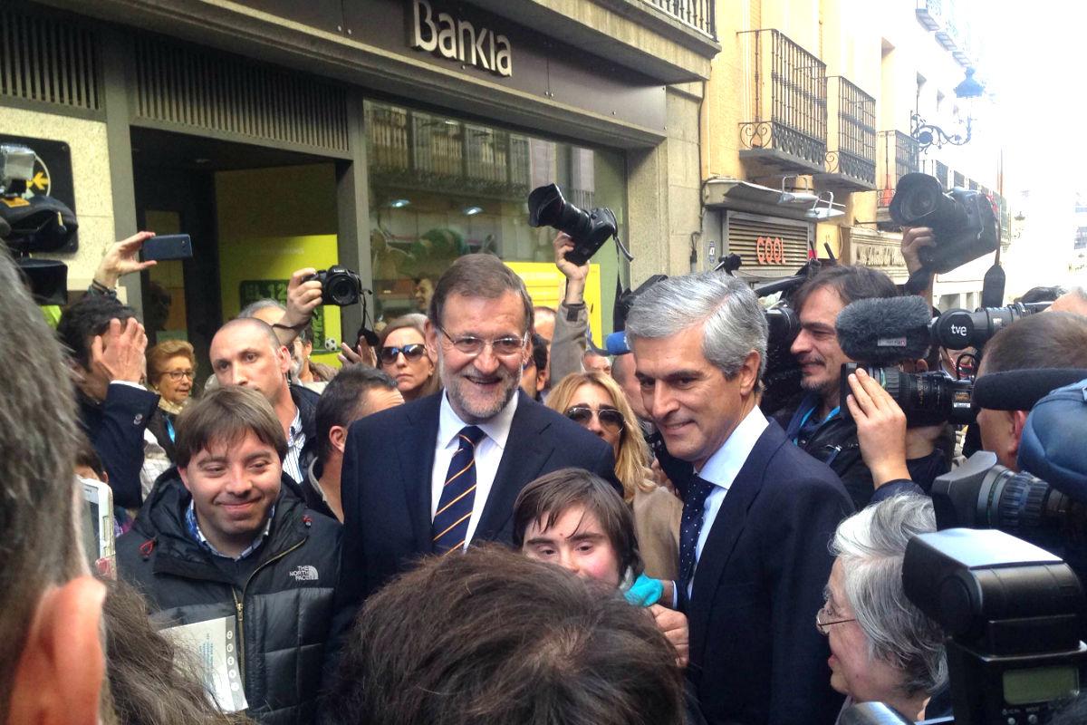 Mariano Rajoy y Adolfo Suárez Illana paseando por la ciudad de Ávila. (FOTO:Okdiario)
