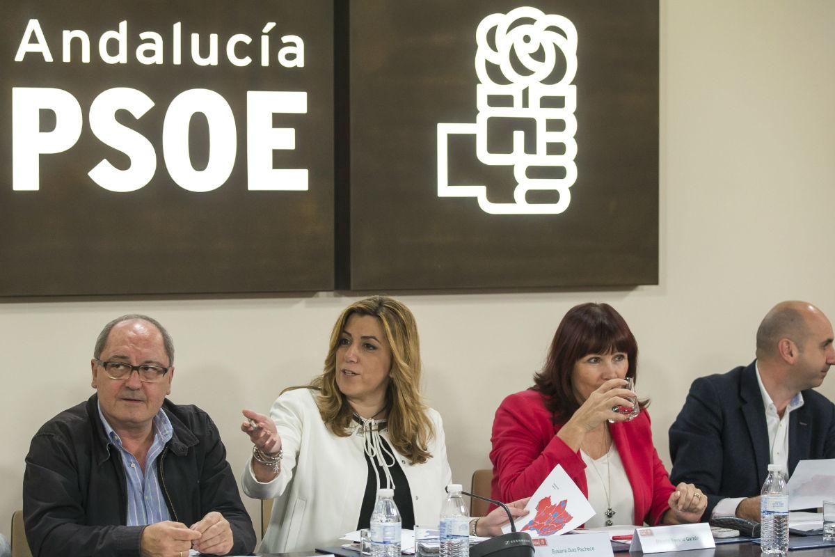 Susana Díaz en una reunión del PSOE-A. (Foto: EFE)