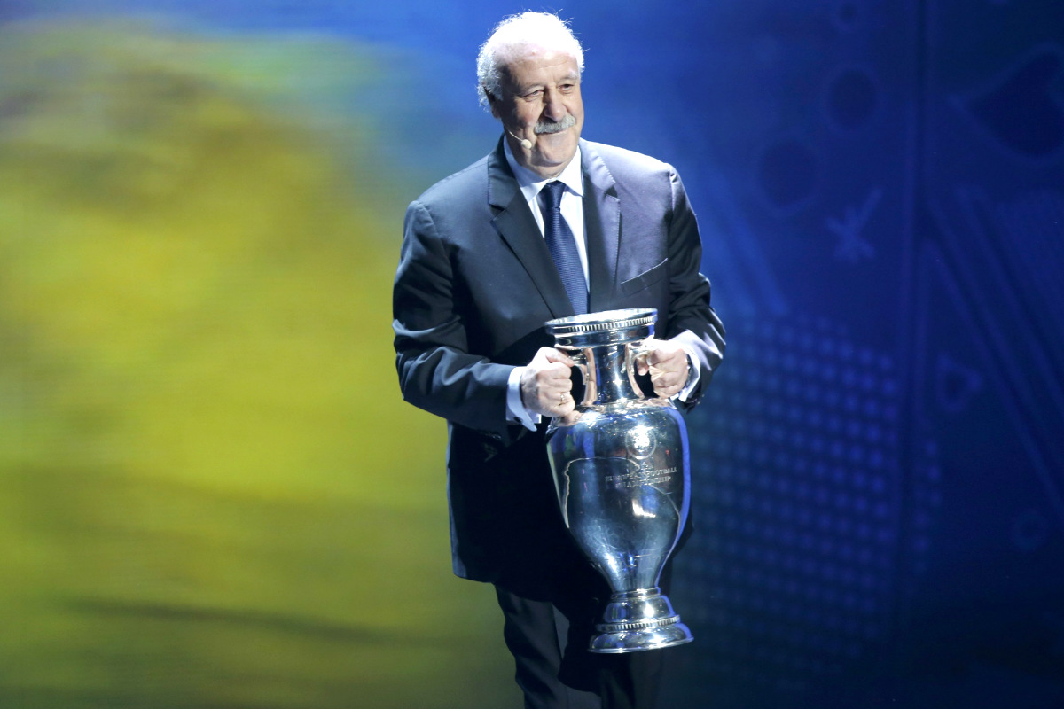 Vicente Del Bosque con la Eurocopa (Reuters)
