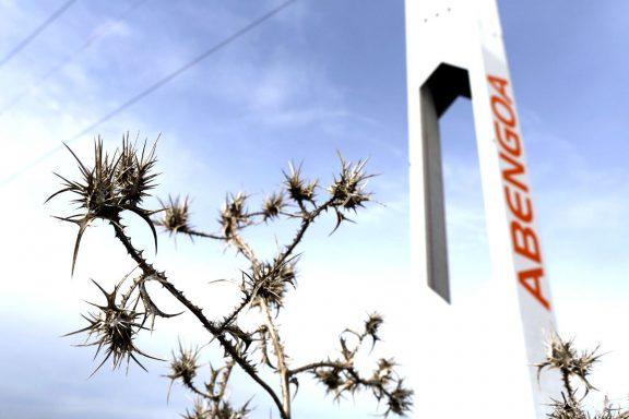 Torre solar de Abengoa (Foto: REUTERS).