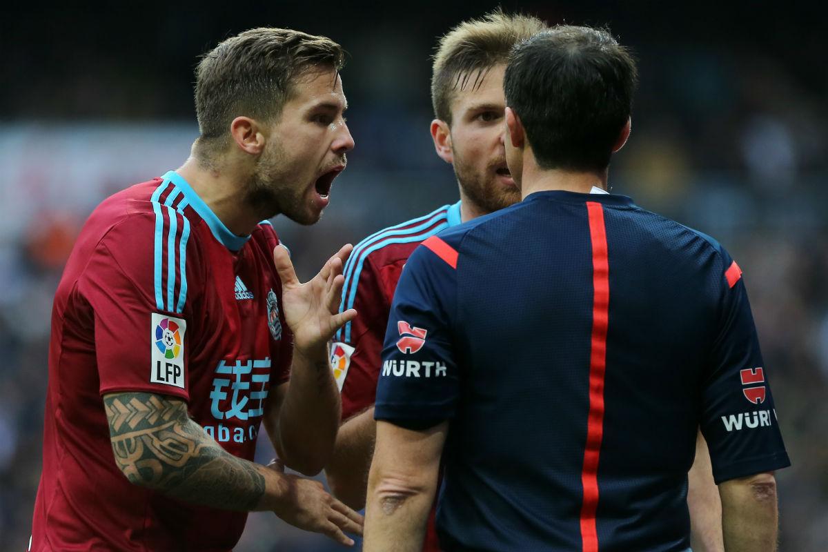 La Real Sociedad, descontenta con el arbitraje. (AFP)