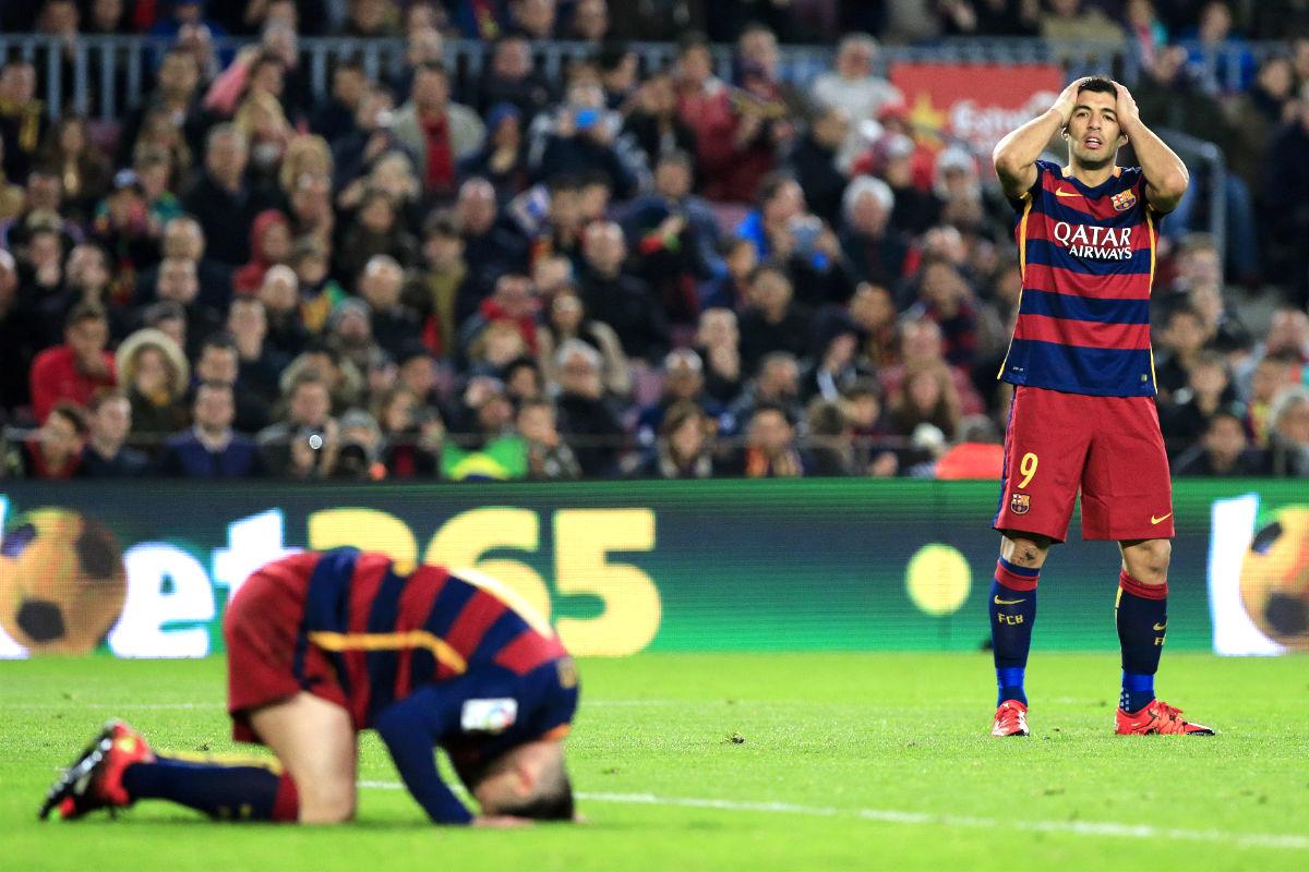 Luis Suárez y Munir lamentan el empate ante el Deportivo (AFP)