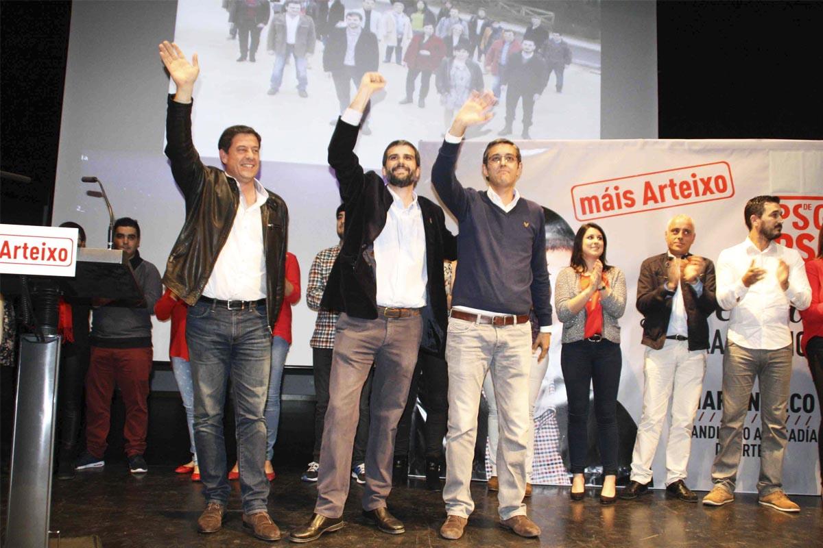 Besteiro, izquierda, junto a Martín Seco y Madina en un acto de campaña. (Foto: PSOE)