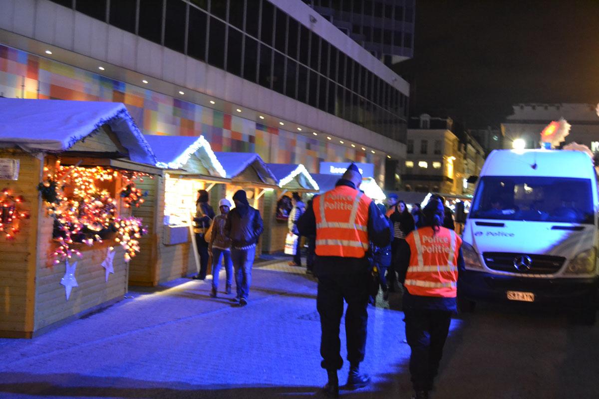 Gran presencia policial y del ejército en Bruselas tras los atentados de París.