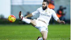 Dani Carvajal intenta llegar a un balón en el partido ante el Eibar. (Getty)