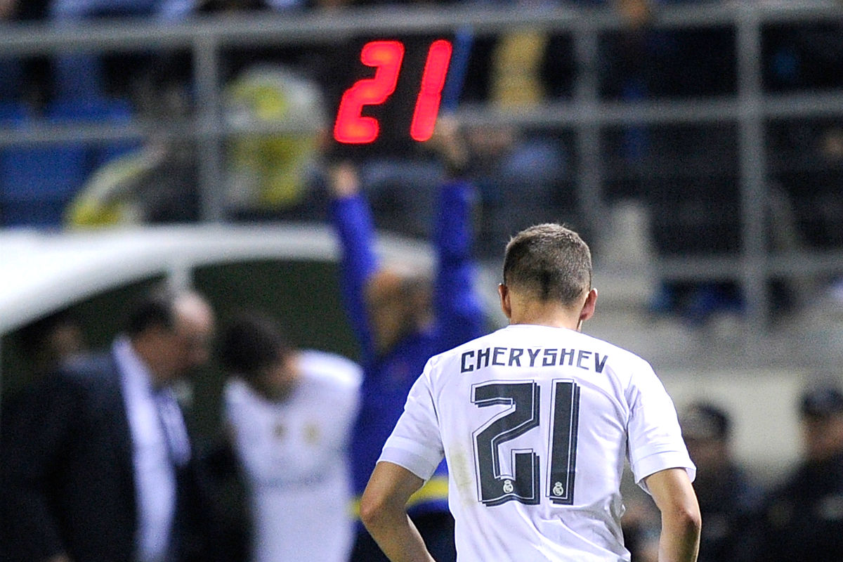 Cheryshev, en el momento de ser sustituido en el Carranza. (Getty)