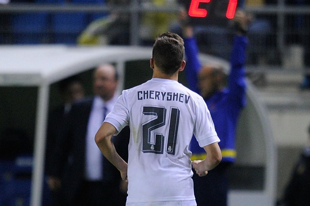 Cheryshev, en el momento de retirarse del campo en el Carranza. (Getty)