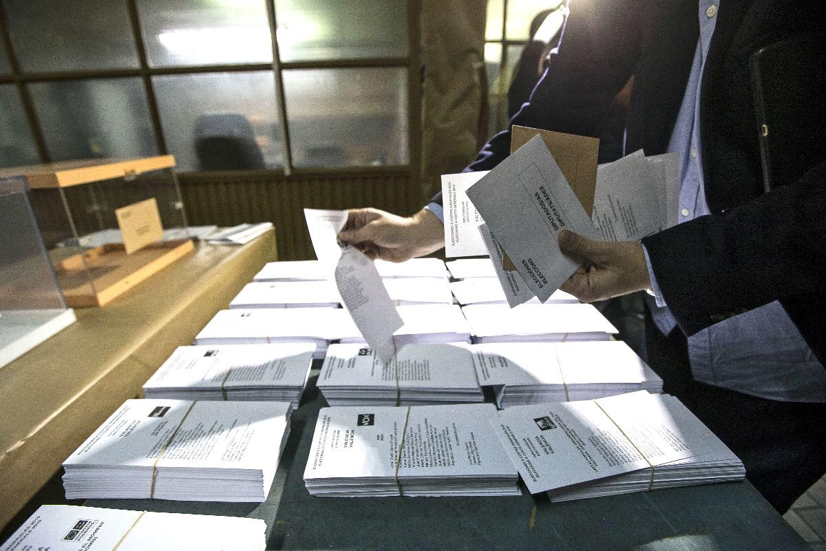Papeletas de las elecciones. (Foto: Efe)