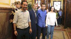 Pablo Iglesias, Julio Rodríguez, Iñigo Errejón y Carolina Bescansa (Foto: Efe).