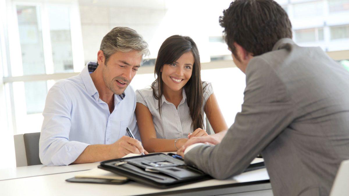 Ya no es necesario acudir al banco a pedir un préstamo (Foto: GETTY).