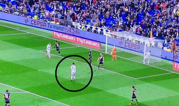 Cristiano Ronaldo no festeja el primer gol de Bale.