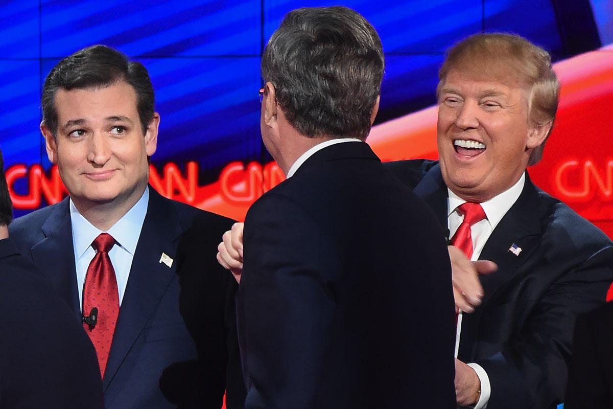 Trump bromea con Bush en presencia también de Cruz. (Foto: AFP)