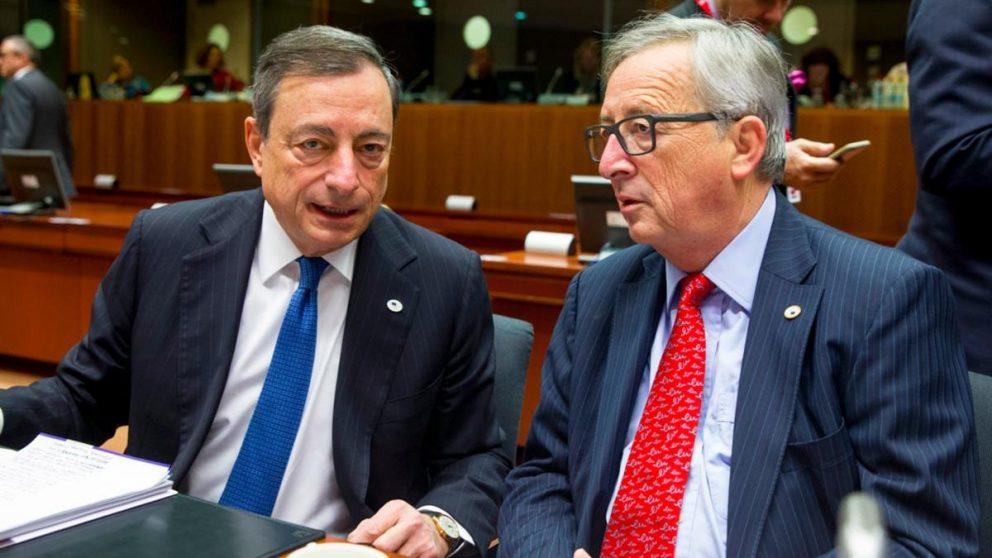 Mario Draghi (BCE) y Jean-Claude Juncker (CE) en el última cumbre del año la semana pasada (Foto: UE)