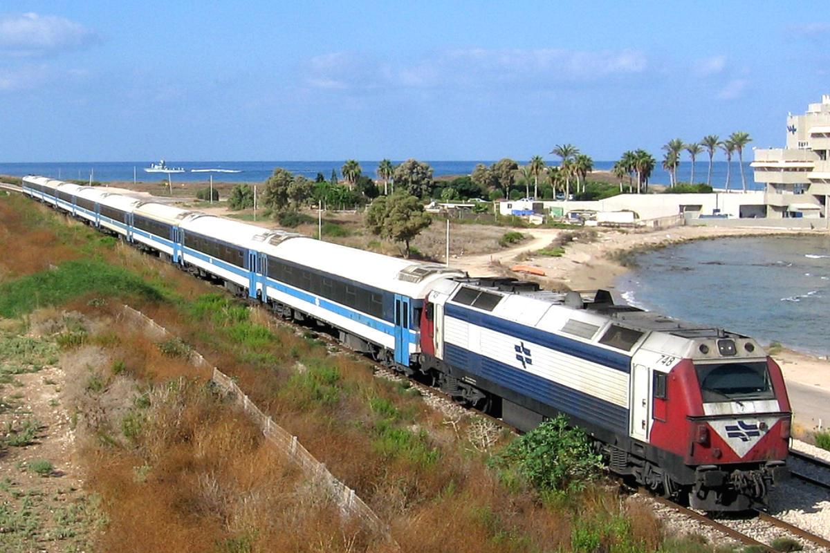 Ferrocarril cerca de Haifa (Foto:  Golf Bravo, con licencia CC BY-SA 2.0).