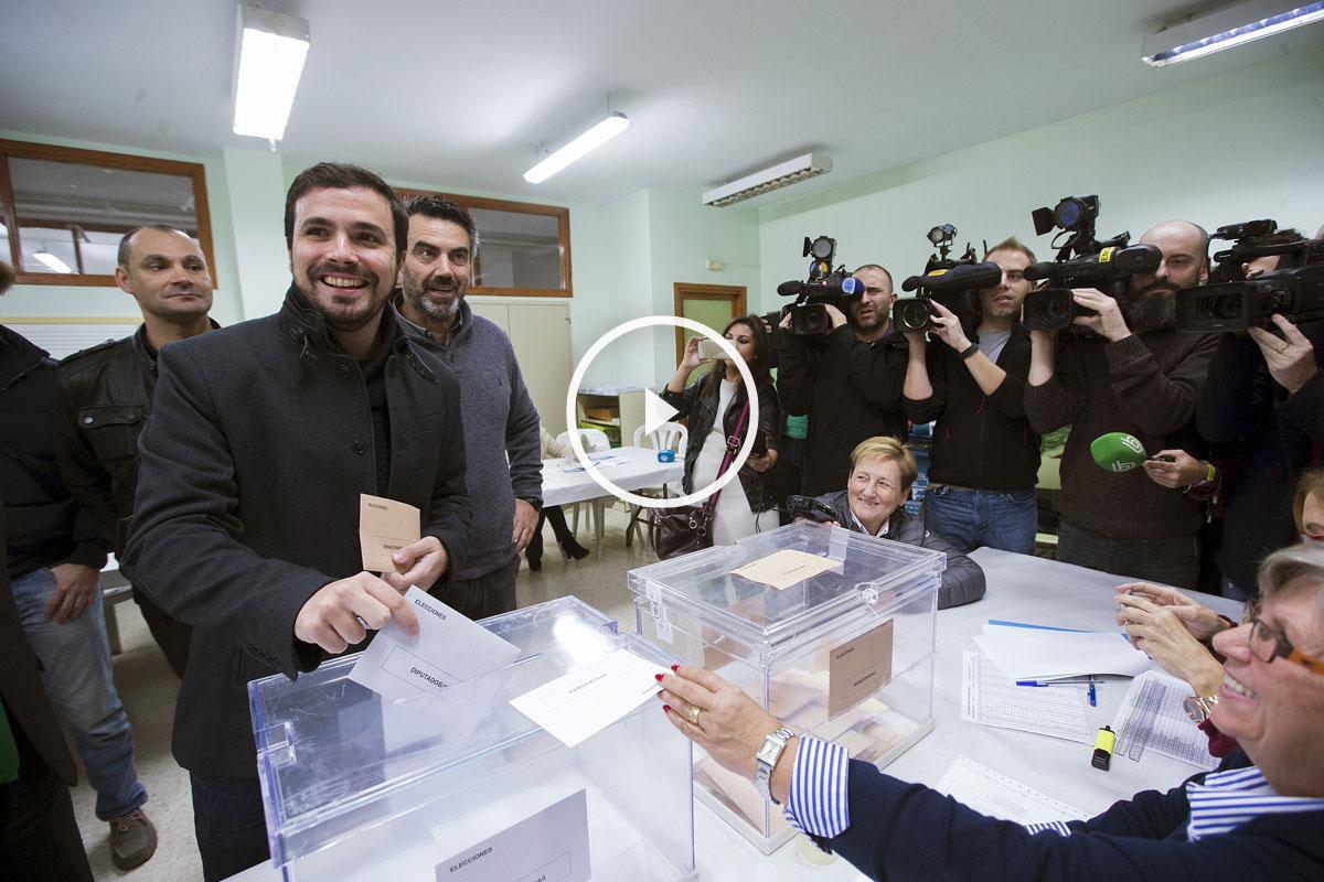 Vota Alberto Garzón, número 1 de UP-IU. (Foto: EFE)