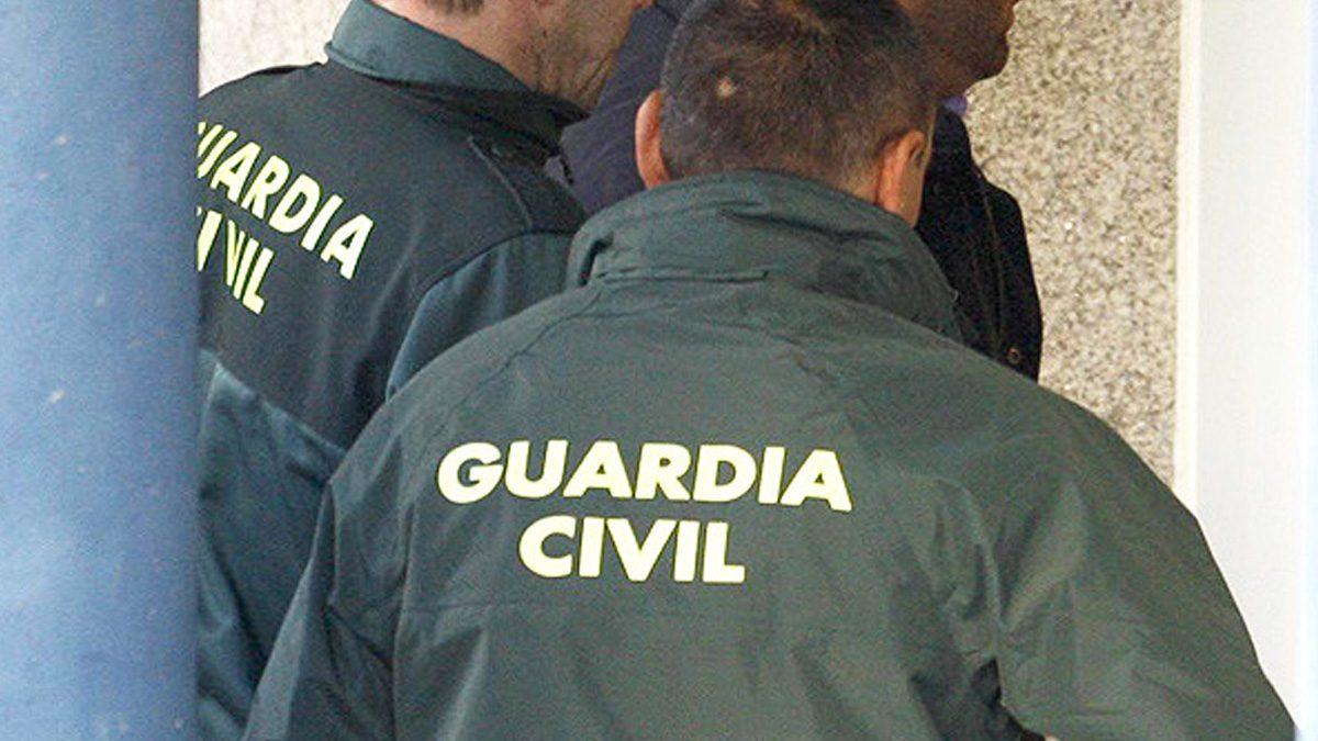 Agentes de la Guardia Civil. (Foto: EFE)