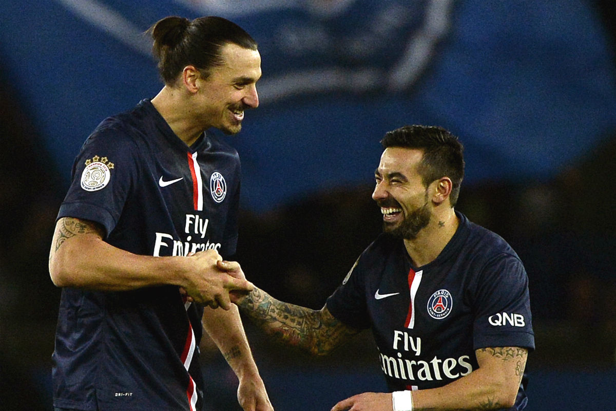 Ibrahimovic y Lavezzi acaban contrato en 2016. (AFP)