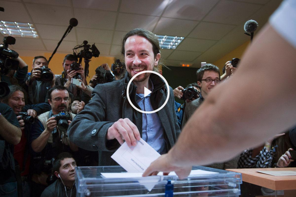 Pablo Iglesias ha votado en Vallecas. (Foto: EFE)