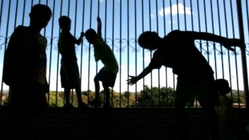 Imagen de unos niños jugando en la calle (Fuente: Ministerio del Interior).
