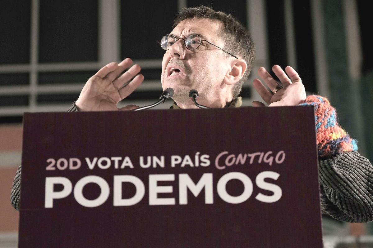 El cofundador de Podemos Juan Carlos Monedero, durante un mitin de Podemos (Foto: Efe)