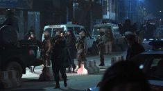 Soldados y ambulancias en el lugar del atentado. (Foto: AFP).