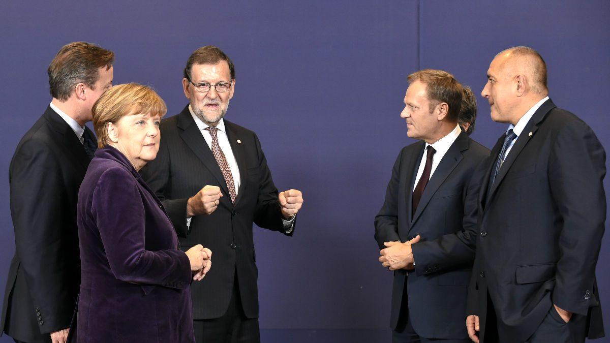Rajoy, junto a Cameron y Merkel, entre otros, en una imagen de archivo. (Foto: AFP).