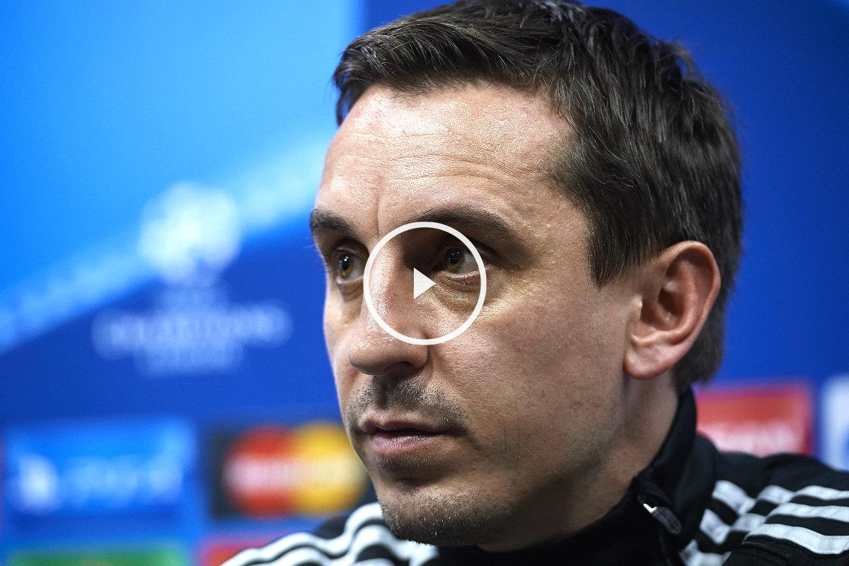 Gary Neville compareció en rueda de prensa para analizar el choque ante el Lyon (Getty)