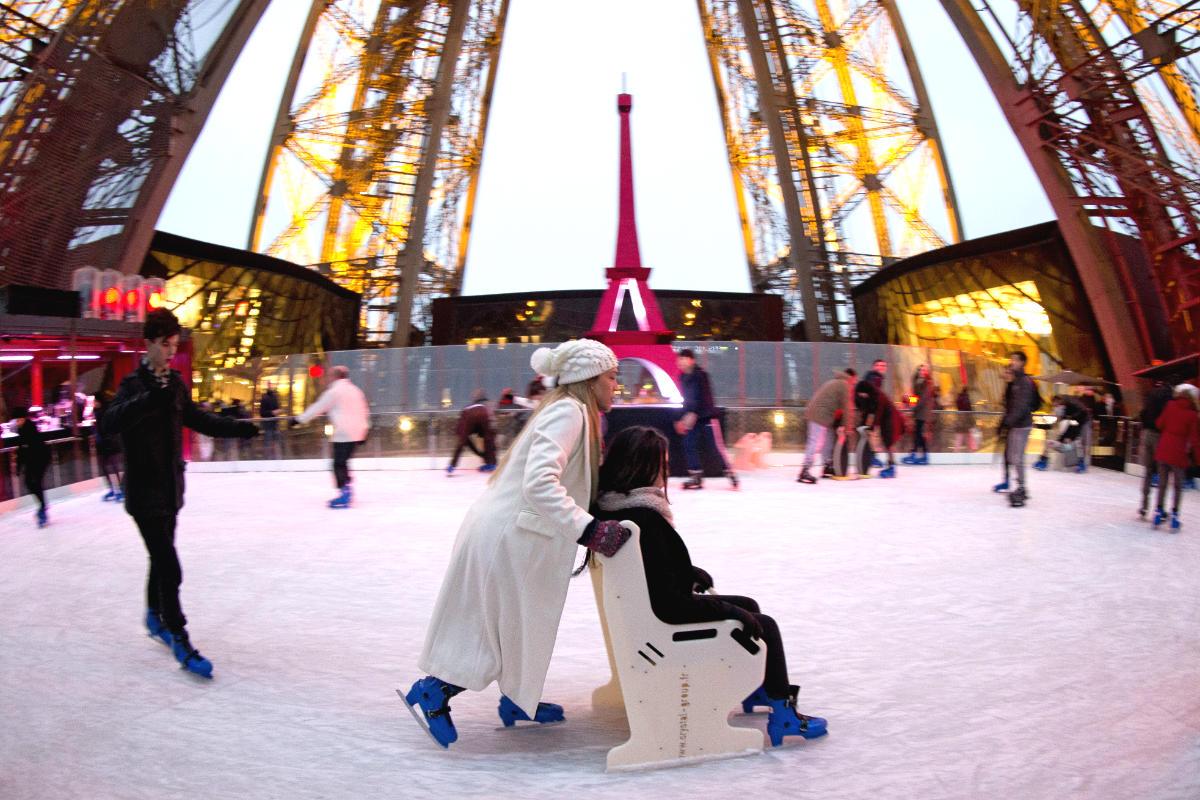 La pista de hielo de la Torre Eiffel. (Foto: AFP)