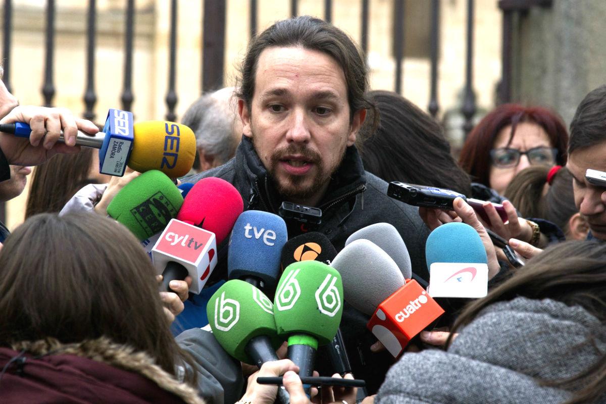 El secretario general de Podemos, Pablo Iglesias, comparece ante los medios de información para hablar sobre distintos temas de actualidad política, en Zamora