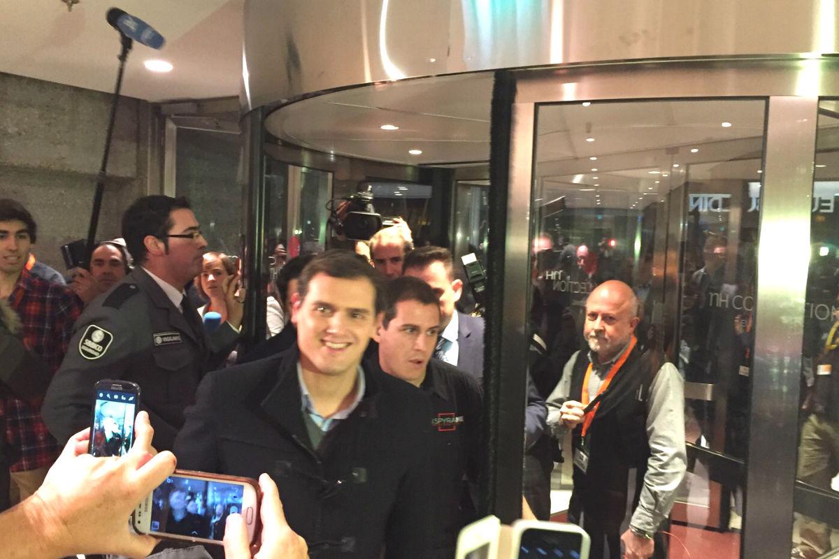 El candidato de Ciudadanos, Albert Rivera, a su llegada al hotel Eurobuilding de Madrid