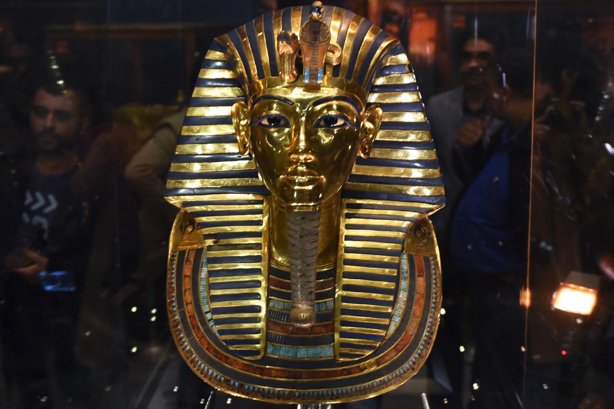 Aspecto de la máscara de Tutankamón tras su restauración. (Foto: AFP)