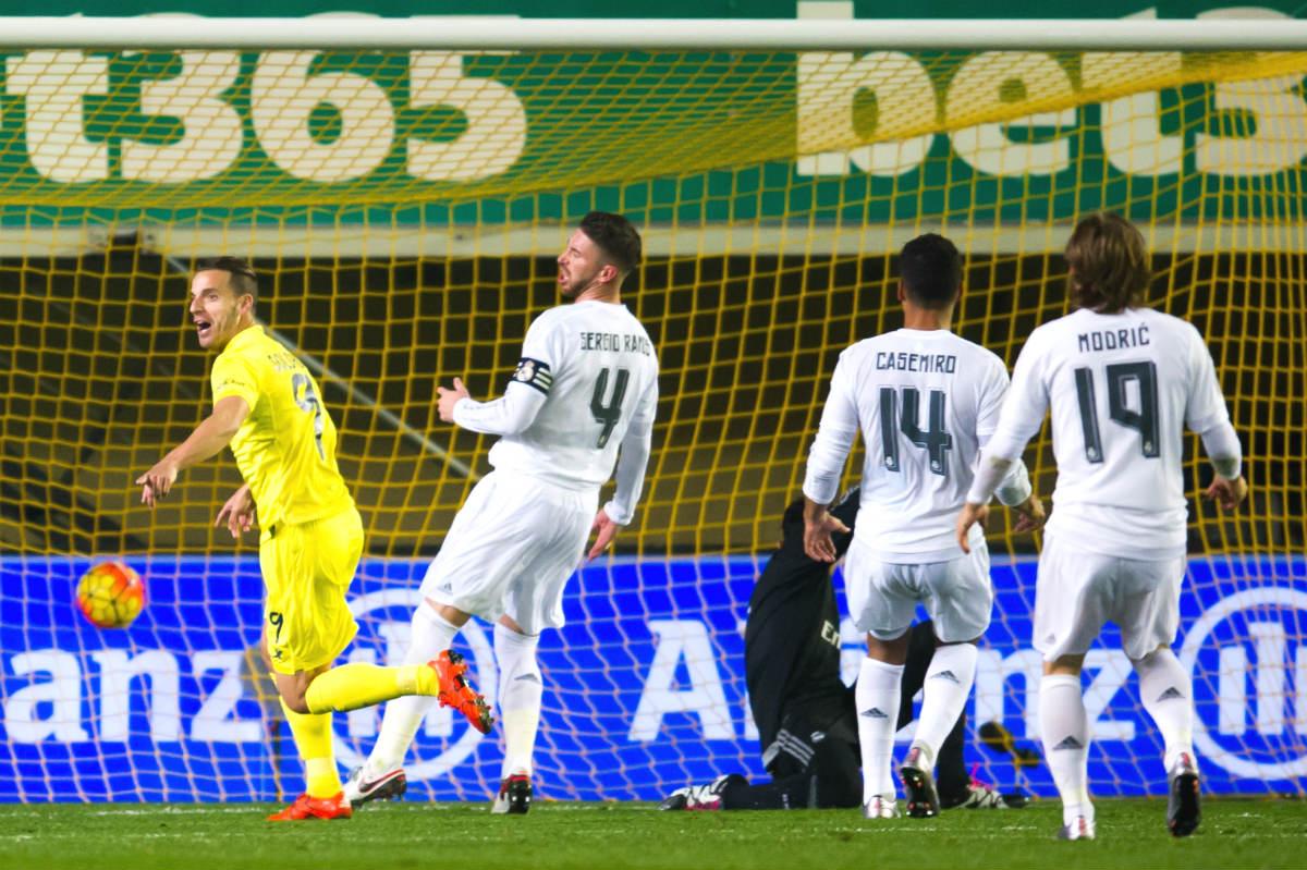 Soldado marca el primer gol del Villarreal ante el Madrid. (Getty)