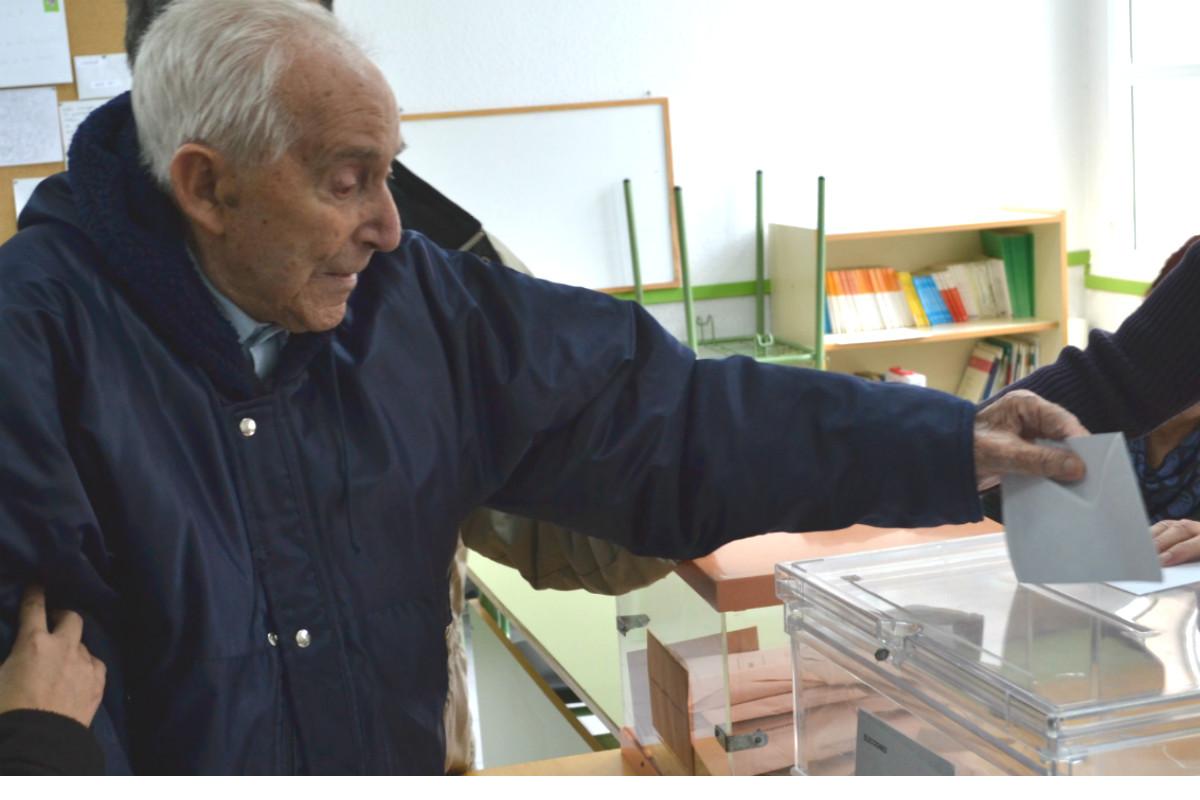 Imagen de un votante español