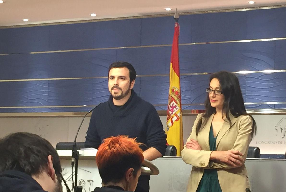 Alberto Garzón en rueda de prensa en el Congreso. (Foto: Nuria Val)