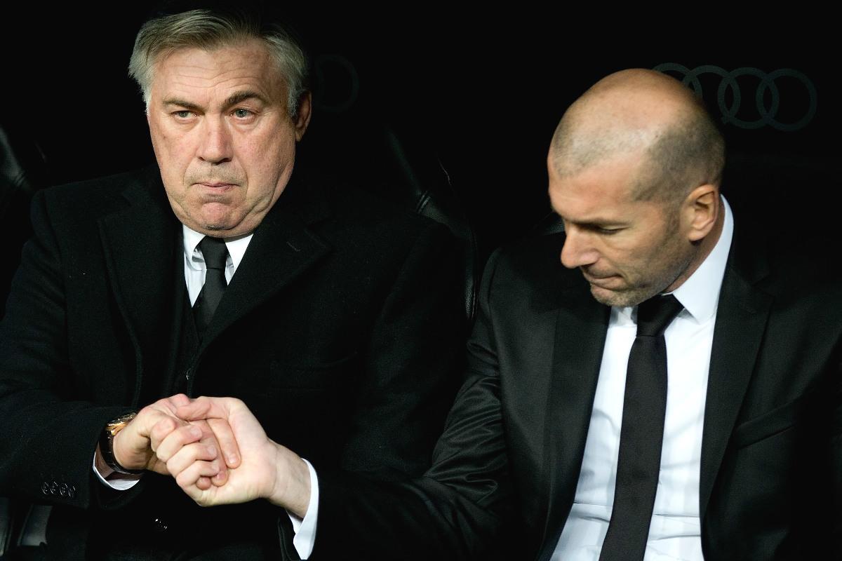 Zidane y Ancelotti, en el banquillo del Real Madrid hace dos temporadas.