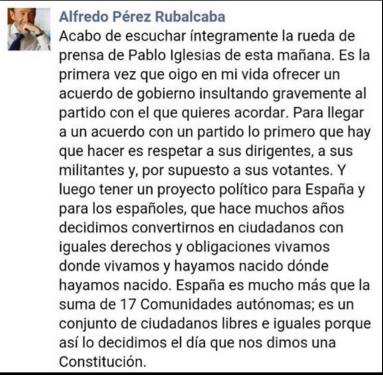 La dirección del PSOE calla ante las chulerías de Iglesias y sólo la 'vieja guardia' le planta cara
